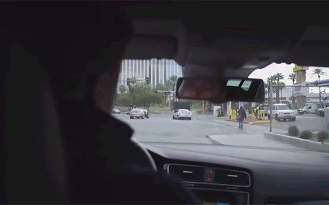 การนั่งรถขับเคลื่อนด้วยตัวเองครั้งแรกของฉันมันบาดใจเหมือนนรก