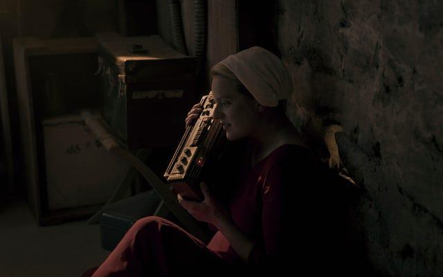 The Handmaid's Tale rembobine la bande, puis frappe le disque dans un épisode déconcertant