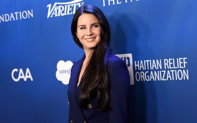 Chuyện quái gì đang xảy ra trong bình luận trên Instagram của Lana Del Rey này?