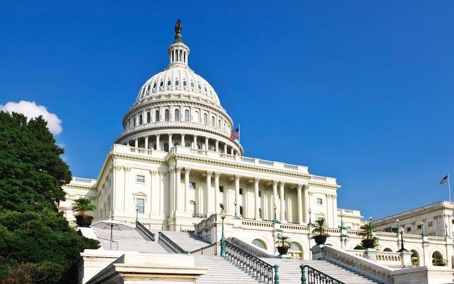 国会議員は、貧しい市民に不必要に苦しむことを要求するあいまいな規則のために、刺激から最低賃金を削減します