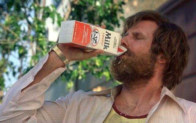 Yetişkinlerin filmlerde içmesi neden bu kadar garip bir şey?