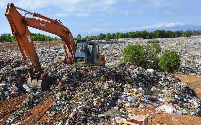 プラスチック汚染の背後にある嘘は私たちが責任があるということです