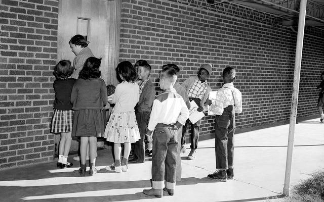 Votre croyance en l'égalité s'étend-elle là où vous envoyez votre enfant à l'école?