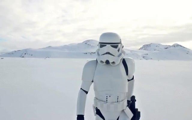 Même les soldats d'élite de l'Empire tombent amoureux, selon la vidéo de Bara Heiða pour 'Stormtrooper'