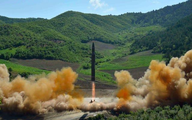 Kuzey Kore, Kıtalararası Füzenin Başarılı Testini İddia Etti