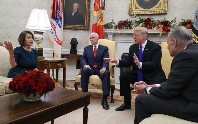 Trump vient de jeter une colère de colère et de quitter une réunion par-dessus un mur que seuls les racistes veulent