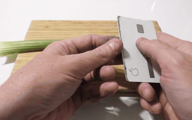 Quelqu'un a transformé une carte Apple en un couteau bien aiguisé que vous pouvez garder dans votre portefeuille