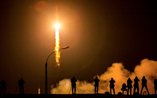 2015年に起こった83個のロケット打ち上げを1つのビデオで見る