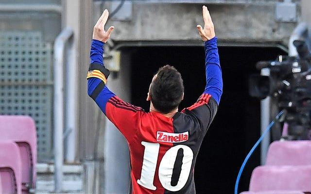 Voir l'hommage de Messi à Diego Maradona