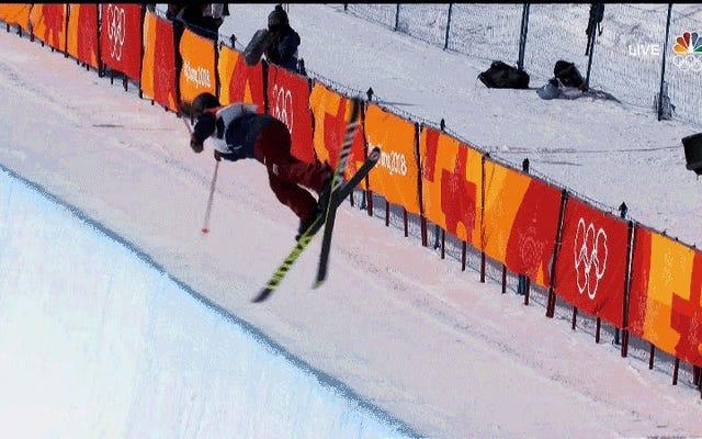 Cassie Sharpe remporte l'or en demi-lune de ski après avoir défendu le crash dévastateur de la championne Maddie Bowman