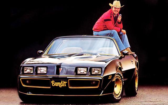 Burt Reynolds, l'homme qui a rendu les Trans-Ams cool, est mort à 82 ans
