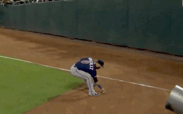 Holy Moly et Marwin González peuvent certainement lancer un baseball