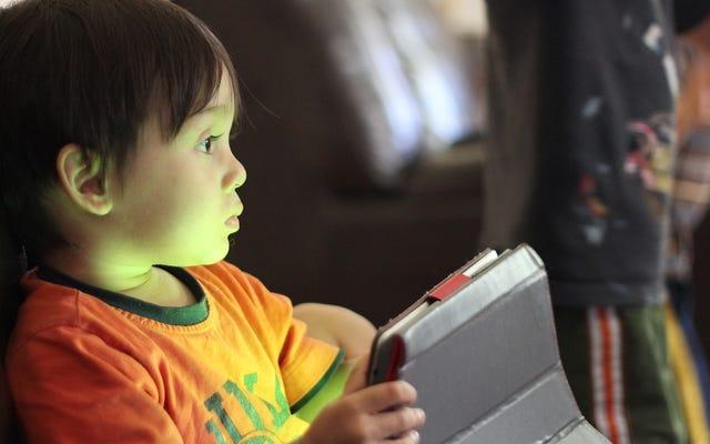 Apakah Panduan Durasi Layar untuk Anak-Anak Terlalu Ketat?