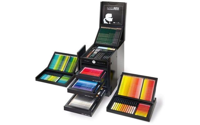 Tak wygląda pudełko kolorowych ołówków o wartości 3000 USD