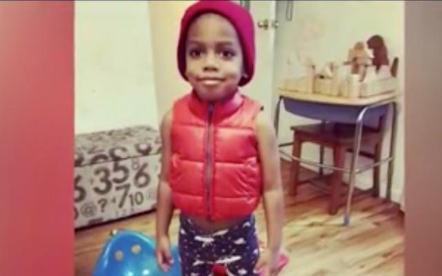 幼稚園が彼にグリルドチーズサンドイッチを与えた後に乳製品にアレルギーのある3歳の少年が死ぬ:報告