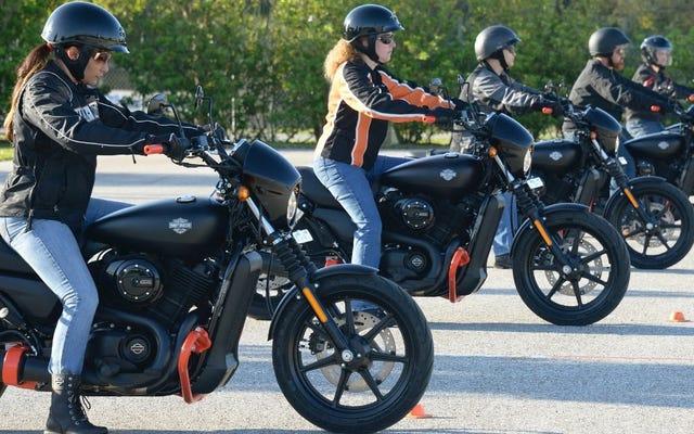 Harley-Davidson, Öğrencilere Üniversite Kredisi İçin Yolculuk Fırsatı Sunuyor