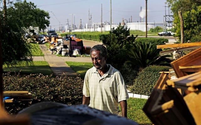 Une enquête révèle que l'ouragan Harvey a frappé les Noirs et les Latinos le plus durement