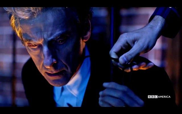 Teaser đặc biệt của Doctor Who Christmas giới thiệu một siêu anh hùng mới và Nardole