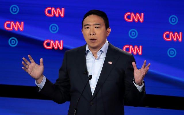 民主党の討論、2日目:アンドリュー・ヤンが夜を勝ち取り、カストロが輝いて、バイデンとハリスがうまく機能しなかった