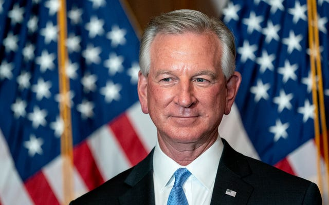 アラバマの新しい上院議員-コーチTubervilleは政府の3つの支部を知りません[アイロール絵文字]