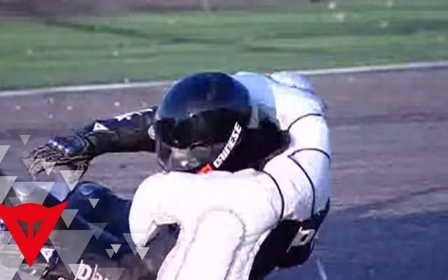 Esta jaqueta inflável para motocicleta que economiza clavícula está finalmente sendo vendida nos EUA