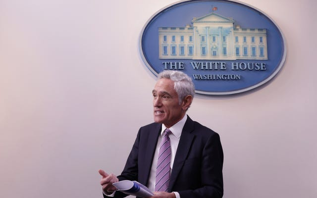 スコット・アトラス博士がトランプのホワイトハウスを辞任
