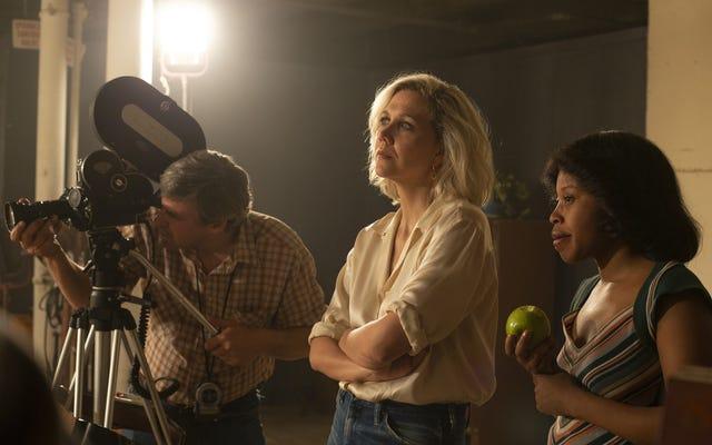 """HBO sekarang mengharuskan semua acaranya memiliki """"koordinator keintiman"""" di lokasi syuting selama adegan seks"""