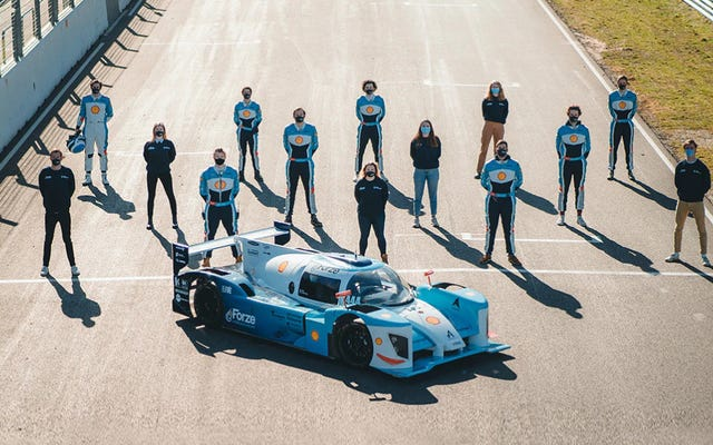 ヒュンダイは学生主導のチームと協力して805HP水素レースカーを作成