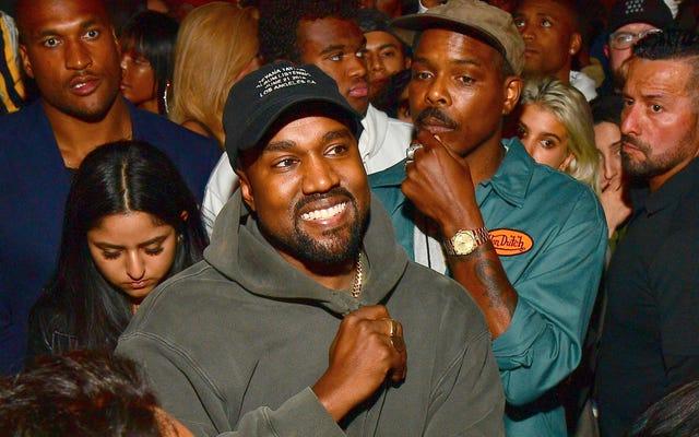 Kanye West encuentra su vocación más alta, está dirigiendo creativamente los premios PornHub en este momento
