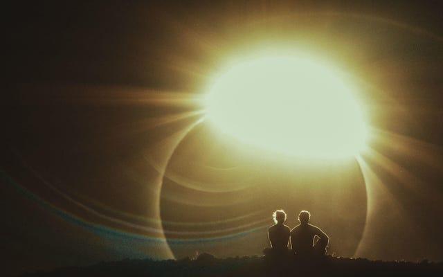 Un nouveau film de science-fiction a eu 2 minutes pour capturer une éclipse solaire, voici ce qui s'est passé