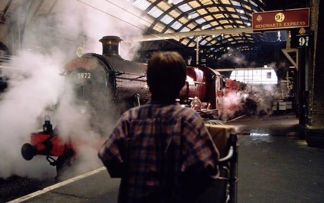 การเปิดเผยที่ดีที่สุดใน Harry Potter และเด็กต้องคำสาปคือเรื่องเกี่ยวกับ Hogwarts Express