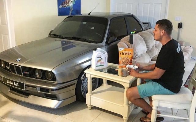 พบกับฮีโร่ผู้ดึง E30 M3 ของเขาเข้าไปในบ้านเพื่อช่วยมันจากพายุเฮอริเคนแมทธิว