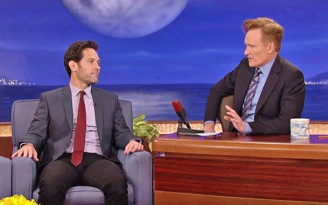 Một lần nữa, Paul Rudd quản lý để đưa Mac And Me qua Conan O'Brien