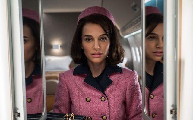 Natalie Portman rivela l'artificio e l'agonia di Jackie in un affascinante film biografico
