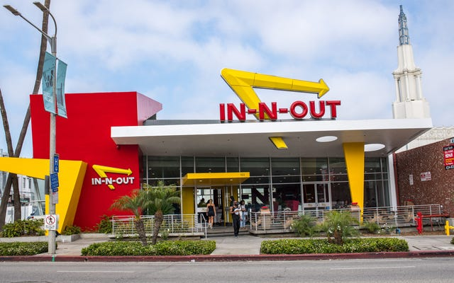 In-N-Outの所有者は、チェーンは彼女の生涯でテキサスの東に拡大しないと言います