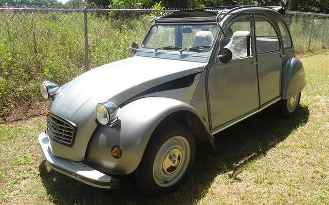 """ราคา 7,500 เหรียญสหรัฐCitroën 2CV รุ่น """"1963"""" นี้คุ้มค่ากับ Deux-Over หรือไม่?"""