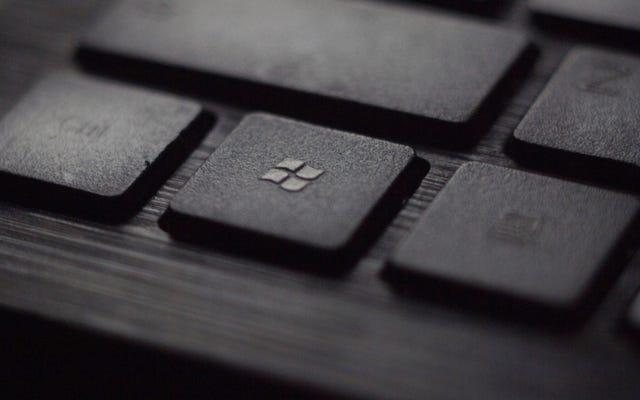 10月の更新プログラムをインストールする前にWindows10をバックアップするか、ファイルを失うリスクがあります