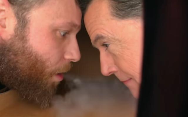 Seth Rogen เล่าเรื่อง The Late Show ด้วยการผจญภัยของเขาใน Trumpland, Stephen Colbert