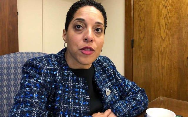 セントルイスの主任検察官がクー・クラックス・クラン法を使用して人種差別で市を訴える