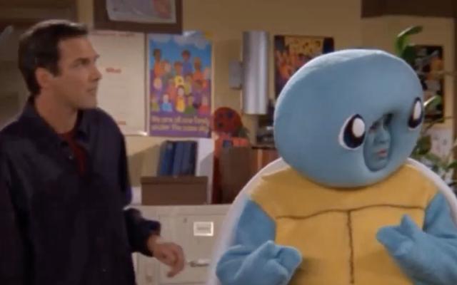 ちょうどノームマクドナルド、彼の古いホームコメディでポケモンの戦いをしている