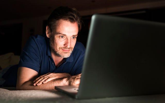男は、ダウンバロット候補について学ぶことのあいまいなインターネットウサギの穴を吸いました