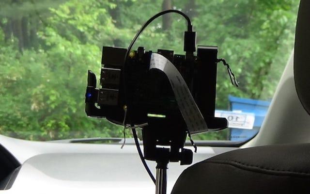 Construye tu propia cámara de salpicadero con capacidades de transmisión en vivo usando una Raspberry Pi