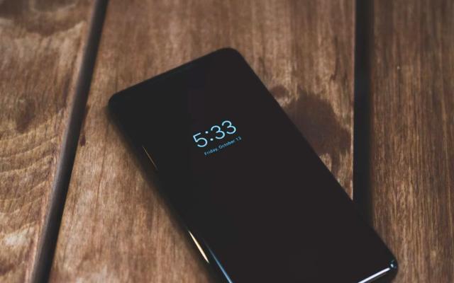 Cách sử dụng màn hình luôn bật của Pixel 2 trên điện thoại Google cũ của bạn