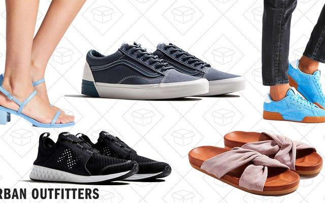 अर्बन आउटफिटर्स के सभी जूतों पर 20% की छूट के साथ अपने सोलेमेट का पता लगाएं