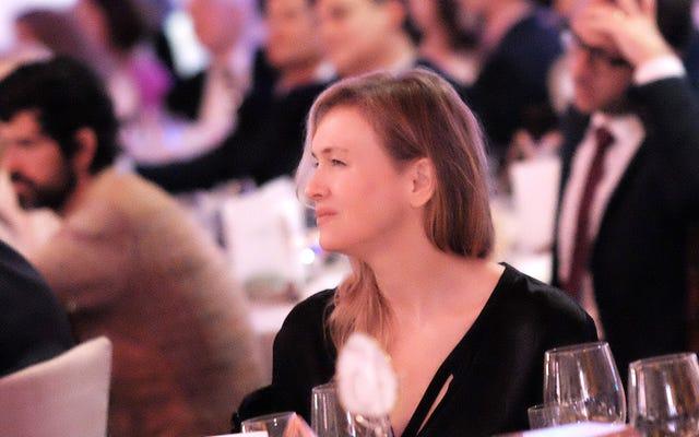 RenéeZellwegerがタブロイドゴシップに関する非常に批判的なエッセイを書き、私たち全員に「もっとうまくやる」ように頼む