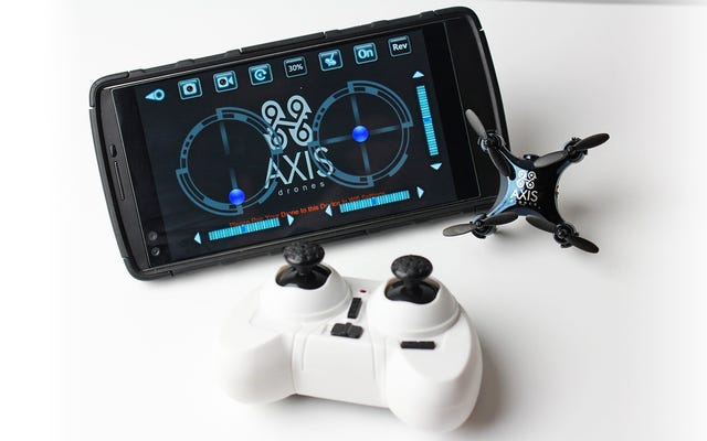 Entah Bagaimana Mereka Meremas Kamera Live-Streaming Ke Drone RC Yang Sangat Kecil Ini
