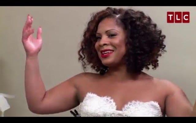 L'activiste Precious Davis devient la première mariée transgenre en disant oui à la robe