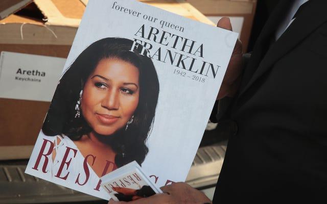 Digne d'une reine: même dans la mort, Aretha Franklin fait une déclaration de mode