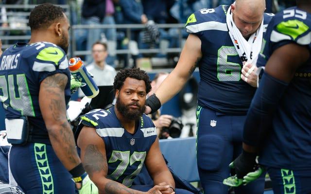 Michael Bennett จะยังคงนั่งในเพลงสรรเสริญต่อไป Kaepernick กล่าวว่าต้องการงานก่อนที่ NFL จะสามารถก้าวไปข้างหน้ากับผู้เล่นได้