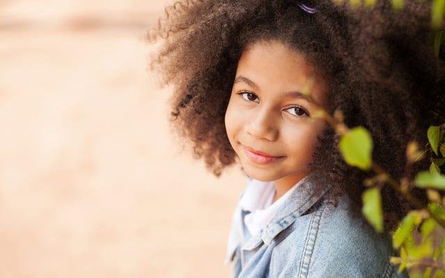 黒人法と服装規定:黒髪は常に規則に違反しますか?